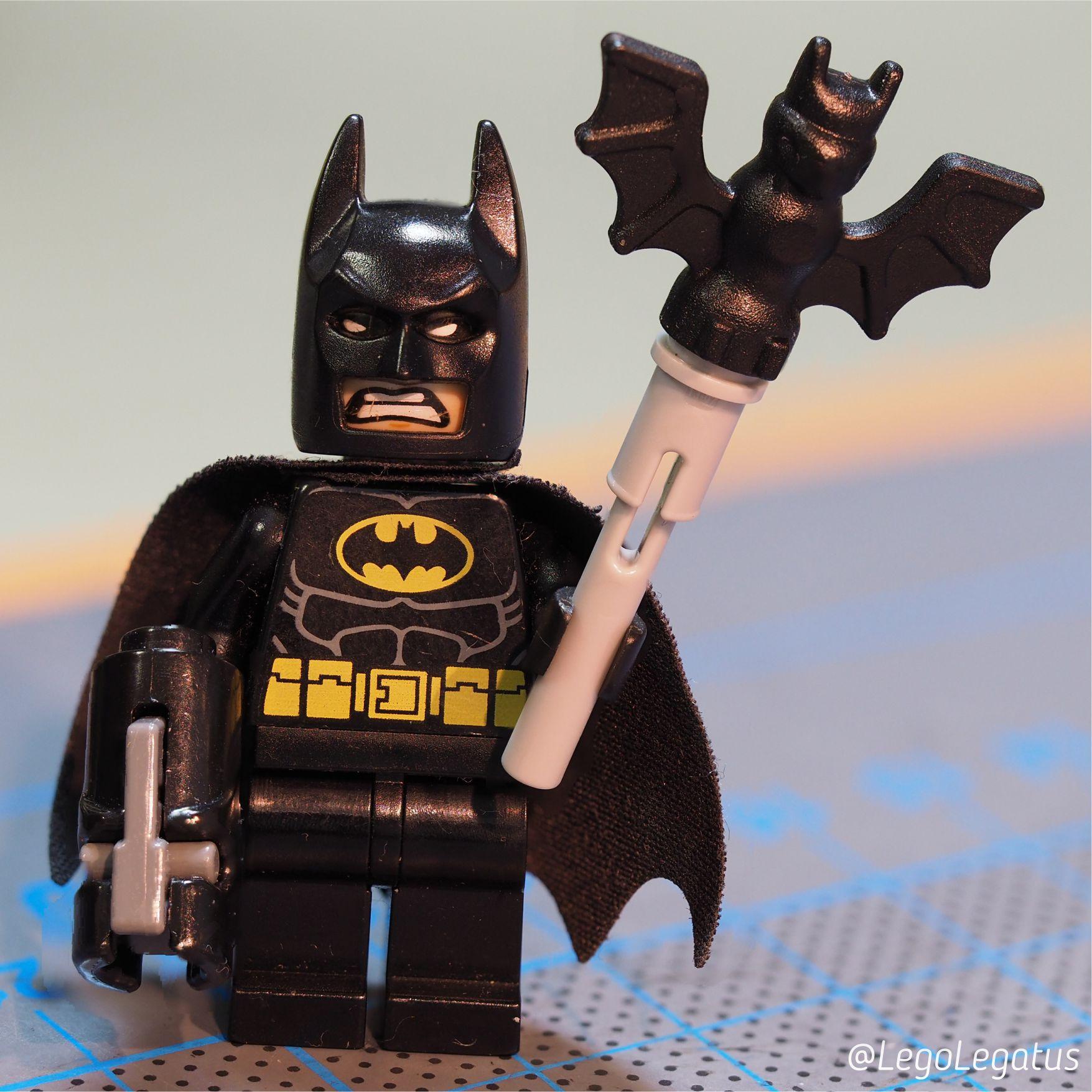 Бэтмен - одна из любимых минифигурок :)
